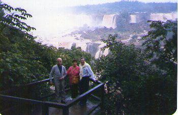 Igua-u Cataractes trio balcon004