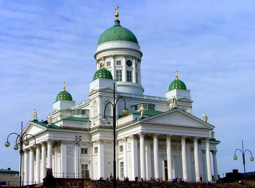 Helsinki_cathedral_in_july_2004