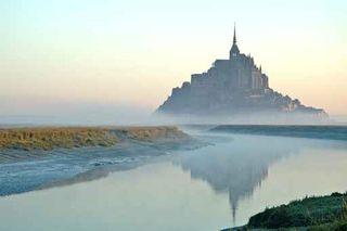 , Mont St Michel, brume