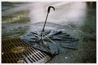 Broken-umbrella1.1255420859