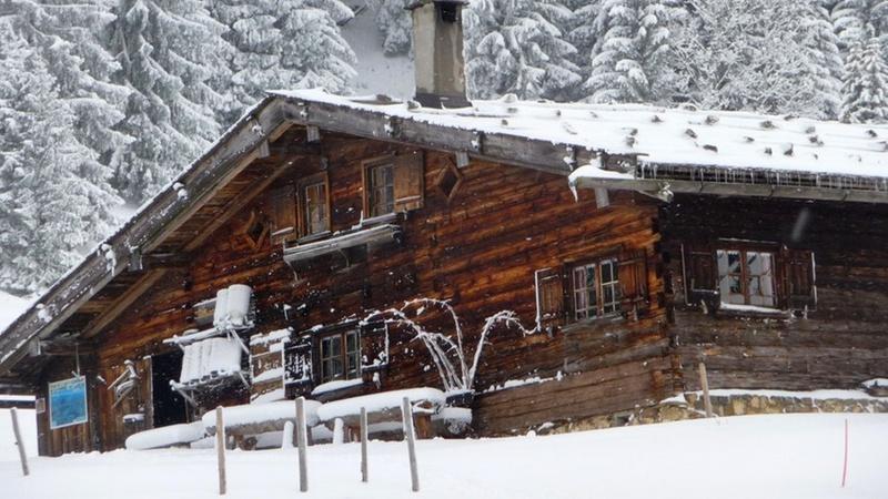 Haus unterm Schnee