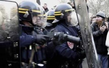 7654618581_les-crs-manquaient-a-l-appel-arret-maladie-a-l-appui-car-c-est-pour-eux-la-seule-facon-legale-de-protester-contre-le-ministere-de-l-interieur