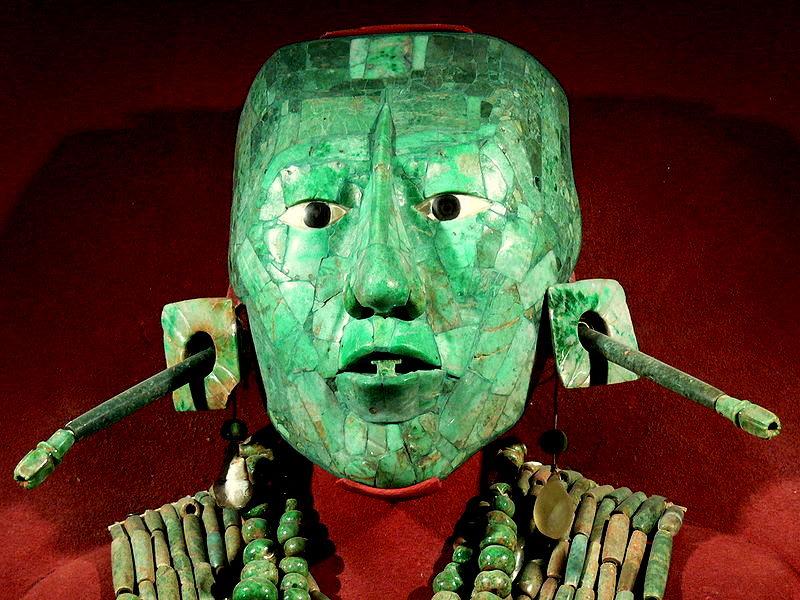 800px-Palenque_-_Maske_des_Pakal