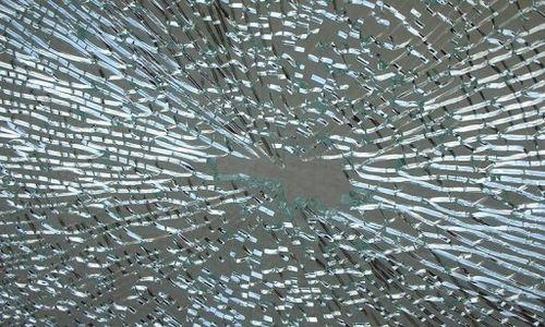 Broken-glass-wallpapers-8-3-s-307x512